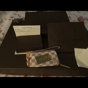 Box bag etc Chanel Pouch